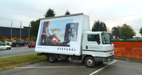 camion vela padova noleggio automezzi affissione