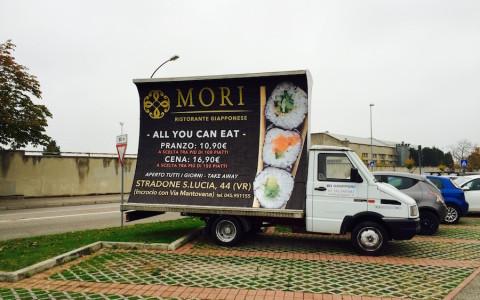 camion vela pubblicita noleggio vicenza verona affissioni
